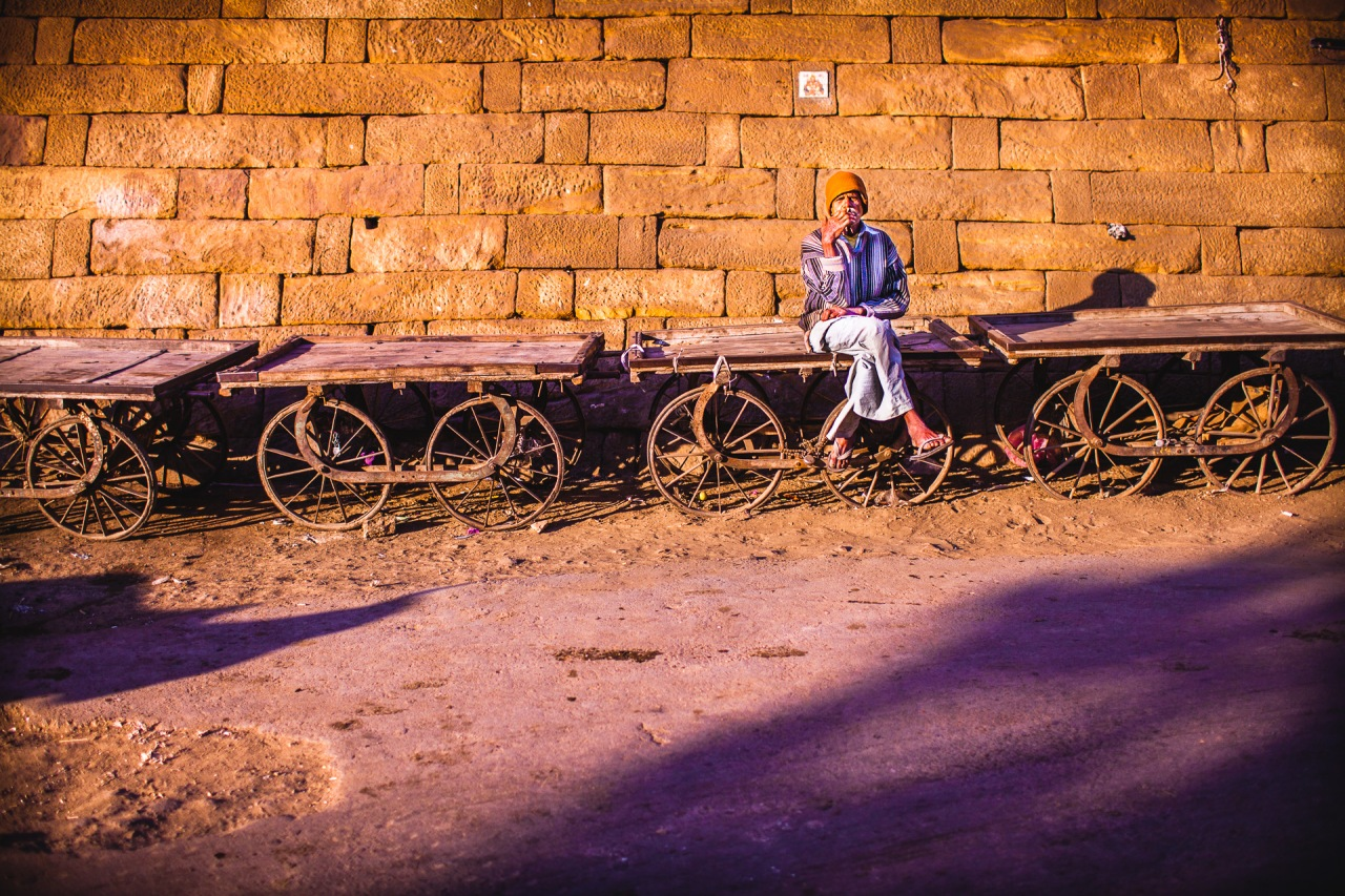 The time goes by. And there will always be a train I'll be missing. Life is like that, you need to make choices, and when they're made you can't go back. But who make the choices anyway? That's the real question. In India, I learned how to miss trains and stop to care about it. Jaisalmer, India, 2014.