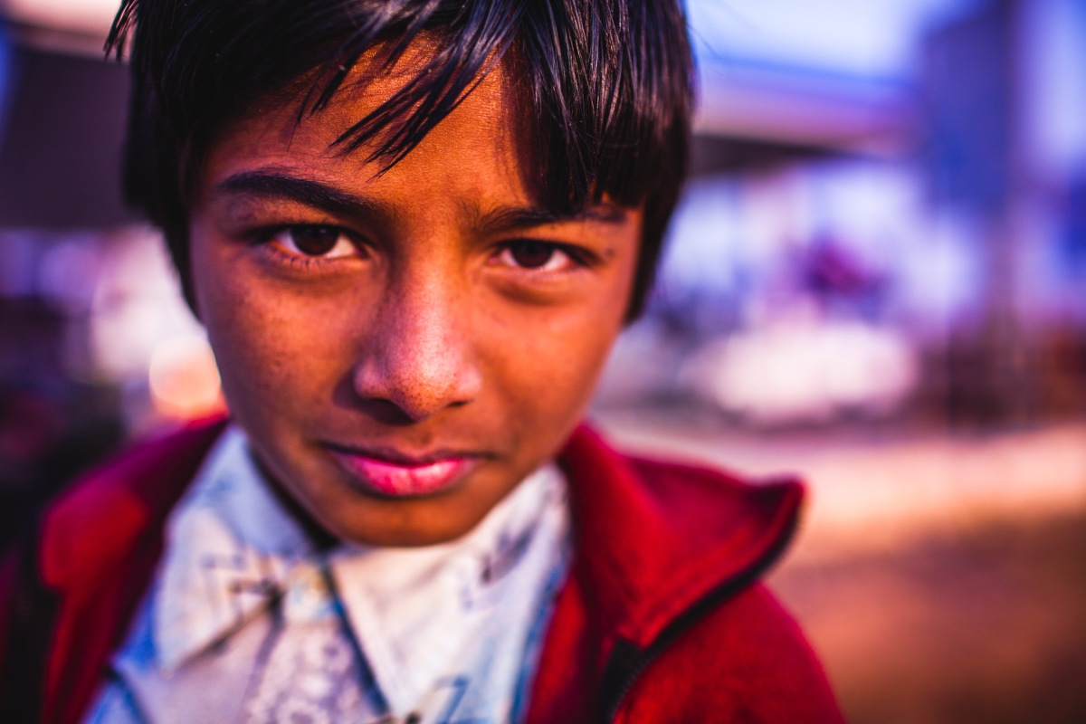 The little boy at the gas station from close. Rajasthan, India, 2014.